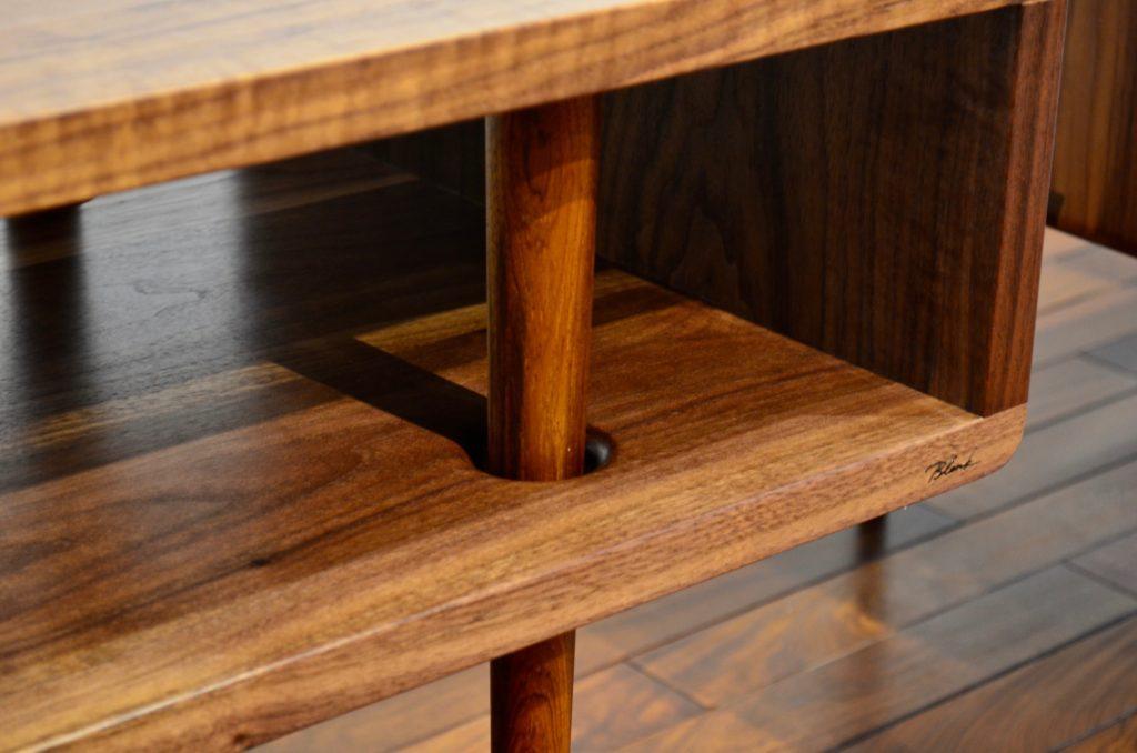 THROUGH TABLE。