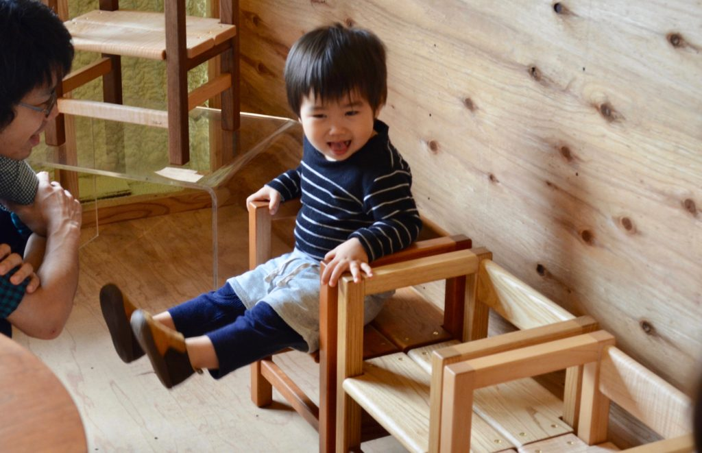 BABY CHAIR。